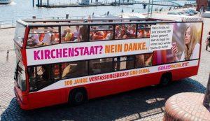 Wir sind DA! 1_BK_2019_PR_004-300x173 Kirchenstaat? Nein Danke! Die säkulare Buskampagne 2019 Infostand | Aktion | Podium Veranstaltung